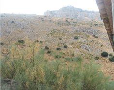 Desde la puerta del apartamento del camping se observa la sierra de El Torcal.