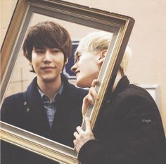 Lol, Kyu's face!! I want a picture like this with my friends LOL