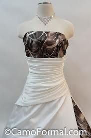 Realtree max 4 accented wedding gown for Camo accented wedding dresses