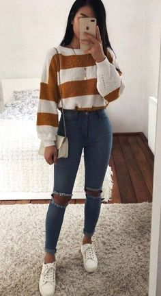 Outfit jeans 30 Chic Ways To Wear Jeans This Spring 2019 casual outfit idea / striped sweater + bag + skinny jeans + sneakers Casual School Outfits, Cute Comfy Outfits, Cute Fall Outfits, Winter Fashion Outfits, Look Fashion, Outfits For Teens, Stylish Outfits, Spring Outfits, Spring Wear
