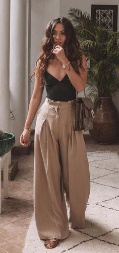 45 cutest summer outfits to try - Wass Sell outfits - cute outfit. 45 cutest summer outfits to try - Wass Sell outfits - cute outfits - 45 süßeste Sommeroutfits zum Probieren - Wass Sell Die mächtigsten Frauen in Business Wear Kleide Mode Outfits, Casual Outfits, Fashion Outfits, Womens Fashion, Classy Outfits, Best Outfits, Tank Top Outfits, Ankara Fashion, Country Outfits