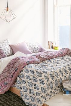 Plum & Bow Sofia Block Duvet Cover - Urban Outfitters