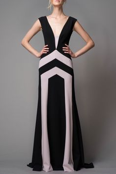 BIBHU MOHAPATRA – RESORT 2016 – PREORDER HERE: http://www.precouture.com/en/bibhu-mohapatra-resort-2016/11343-color-blocked-siren-gown PRECOUTURE.COM is the first European website offering the possibility to preorder the looks straight from the runway. Order your looks now and wear them before anyone else, before it hits stores !