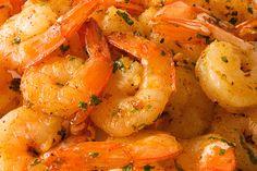 This shrimp is SOOOOOO good! My new fav! How+to+make+a+Grilled+Shrimp+Recipe+with+Italian+Dressing+and+Honey+Marinade Shrimp Marinade, Marinated Shrimp, Roasted Shrimp, Grilled Shrimp Recipes, Seafood Recipes, Gourmet Recipes, Cooking Recipes, Grill Recipes, Butter