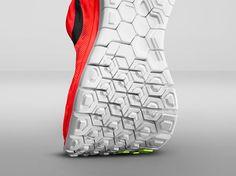 Nike apresenta novos modelos de tênis para corrida natural