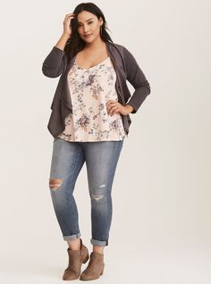 summer outfits beach - summer outfits _ summer outfits women _ summer outfits black girl _ summer outfits 2020 _ summer outfits women _ summer outfits women over 40 _ summer outfits plus size _ summer outfits beach Outfits Plus Size, Curvy Girl Outfits, Plus Size Casual, Plus Size Tops, Casual Outfits, Fashion Outfits, Grunge Outfits, Plus Size Summer Clothes, Work Outfits