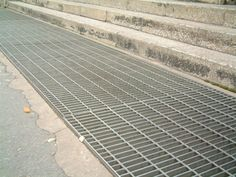 Drainage / Ditch Cover used for Municipal Service Drainage Ditch, Drainage Ideas, Drain Cover, Stair Treads, Public Transport, Garden Planning, Trench, Basement, Landscape