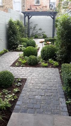 Urban Garden Design Granite Setts are incredibly hard wearing, making them a great choice for high traffic areas such as pathways like in this garden pathway design by Thorburn Landscapes. Small Courtyard Gardens, Small Backyard Gardens, Small Backyard Landscaping, Outdoor Gardens, Backyard Designs, Landscaping Design, Modern Backyard, Backyard Patio, Small Patio