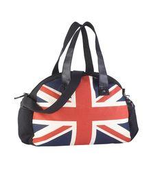 Tendência roupa branca e preta de tamanhos grandes - Compre na Venca 9a42b4570d4