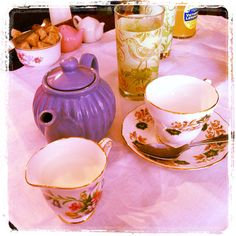Curiositeaz - Vintage Tea Room & Curiosity Shop