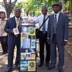.@jw_witnesses   Cart witnessing in Colon City, Panama. Photo shared by @juliana ford   Webstagram