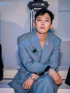 Seungri, Gd Bigbang, Dragon Wallpaper Iphone, G Dragon Cute, Bigbang Wallpapers, Rapper, Gd And Top, Bigbang G Dragon, Ji Yong