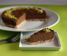 Chocolate cake Raw and Vegan Thermomix Raw Vegan Desserts, Vegan Sweets, Vegan Foods, Sugar Free Recipes, Sweets Recipes, Baking Recipes, Raw Chocolate Cake, Raw Cheesecake, Roh Vegan