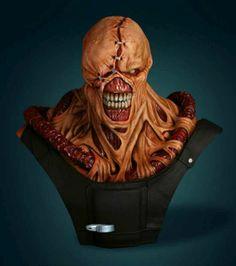 Busto em tamanho real do Nemesis do Resident Evil ~ SuperVault
