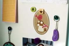 These magnets are so easy to make! Great kids craft! http://thestir.cafemom.com/big_kid/164030/10_gorgeous_holiday_gifts_kids/111783/silly_magnets?slideid=111783?utm_medium=sm&utm_source=pinterest&utm_content=thestir