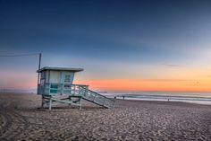 Lifeguard Tower at Venice Beach, California at Sunset. Fotoprint