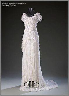 Gorgious cochet wedding dress!