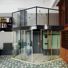 Barrio Gotico apartment by David Kohn Architects