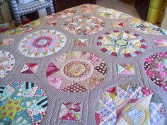 100_4052 | my camelot quilt finished ! | lizzie_broderie | Flickr