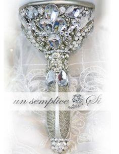 Swarovski Crystal Bouquet Holder, Brooch Bouquet , by UnSempliceSi on Etsy Broach Bouquet, Crystal Bouquet, Wedding Brooch Bouquets, Crystal Brooch, Diy Bouquet, Bride Bouquets, Bouquet Holder, Gold Models, Crystal Design