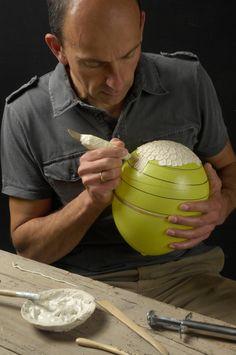 Fresco-Inspired Porcelain Bowls Formed From Balloons by Guy Van Leemput Guy van Leemput painting porcelin slip onto balloons to make thin bowls MO ceramics: Original ceramics - creative and unique Ceramic Tools, Ceramic Clay, Ceramic Artists, Ceramic Pottery, Slab Pottery, Ceramic Techniques, Pottery Techniques, Clay Projects, Clay Crafts