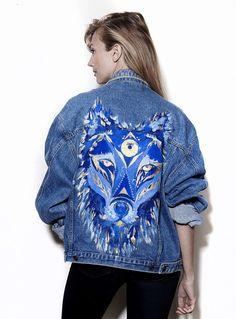 Vintage denim jacket with original artwork by Ana Kuni Customised Denim Jacket, Denim Art, Denim Ideas, Painted Clothes, Denim Outfit, Vintage Denim, Custom Clothes, Aesthetic Clothes, Denim Fashion