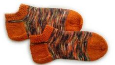 Calcetines, cómo tejer calcetines paso a paso – anaconde | socks&co Gloves, Socks, Wool, Stitch, Knitting, Margarita, Macrame, Baby, Fashion