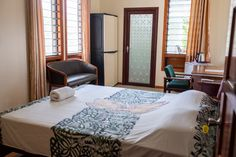 Lynn's Getaway Hotel is one of the best places to stay in Samoa. We have range of rooms from budget to modern rooms in Apia. Our rooms include a breakfast buffet and access to all amenities as well.