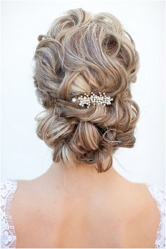 Wedding Hairstyle Updo of the Day - Deer Pearl Flowers / http://www.deerpearlflowers.com/wedding-hairstyle-inspiration/wedding-hairstyle-updo-of-the-day/