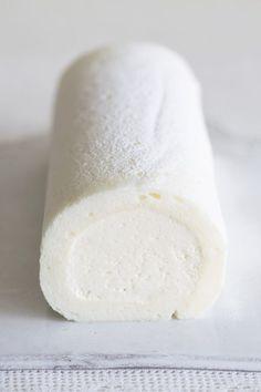 生地もクリームも白一色! 可憐な「まっしろロールケーキ」 に恋してる。【オレンジページ☆デイリー】料理レシピをはじめ、暮らしに役立つ記事をほぼ毎日配信します!