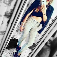 Ok think I'm ready to my evening stroll. ... pants from Bershka / top Stradivarius / jacket Zara / sneakers Nike  #goforawalk #evening #memories #eveningwalk #eveningstroll #fashion #style #selfie #just_me #instafashion #instapeople #outfit #oitfitoftheday #nike