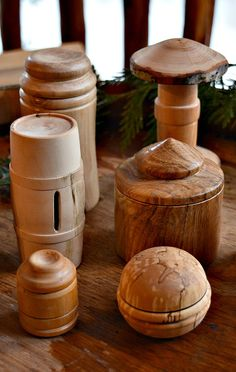 Turned lidded boxes are fun to make. This article shows you a great turning tip to make it even easier.