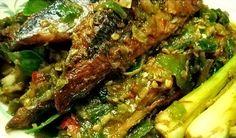 Resep Ikan Pindang Sambal Ijo-Masih bingung nih mau menyiapkan menu makan untuk keluarga Anda dirumah. Tak usah khawatir