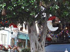 christmas in new orleans 2013 | New Orleans Square Santa Decorations