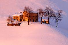 Tramonto invernale a Zambla Alta (BG), via Flickr.