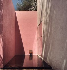 """Mexican architect Luis Barragán is Alain de Botton's """"Architecture of Happiness"""" muse (for the book cover)"""