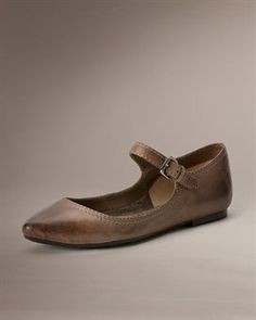 Just bought these in black. I love them!! Very, very comfortable.