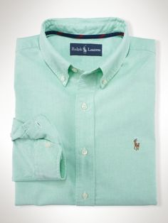 Long-sleeved sport shirt, cut for a comfortable, classic fit in breathable pinpoint oxford-woven cotton.