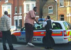 This is UK popo. All black people in the UK are at least 7ft tall.