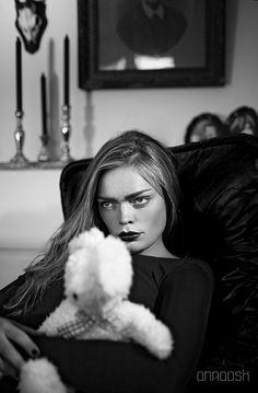 Model Ebba Waenerlund  Make up Hanna Wikloff ©Anna Ósk Erlingsdóttir All rights