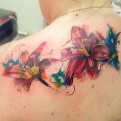 Watercolour lilies shoulder coverup #tattoo #watercolour #watercolourtattoo #lilytattoo #coverup #coveruptattoo #flowertattoo #abstract #tattoofreakz #tattoooftheday