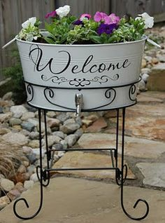 This would be cute on any planter - what an awesome house warming gift!