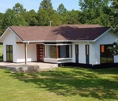 Rural House, Bungalow House Plans, Model House Plan, Bamboo Construction, Adobe House, Simple House Design, A Frame House, Traditional House Plans, Cottage Style Homes