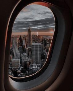 New York City Cheap Travel New York Trip, New York Travel, City Aesthetic, Travel Aesthetic, Adventure Aesthetic, Aesthetic Vintage, Aesthetic Girl, Avion New York, Winter Photography
