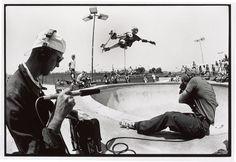 Stacy Peralta & Craig Stecyk filming Tony Hawk for the Bones Brigade video show, Del Mar Skateboard Photos, Skate Photos, Skateboard Art, Skateboard Shelves, Stacy Peralta, Old School Skateboards, Skate And Destroy, Hawkgirl, Del Mar