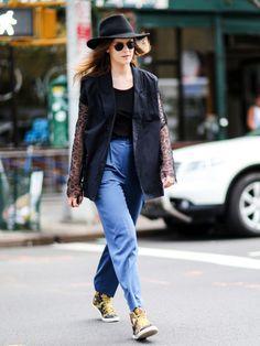 Cooler kann man den Fedora-Hut wohl kaum stylen. Bravo! #ootd #streetstyle #outfit