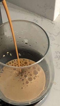 Coffee Love, Coffee Break, Morning Coffee, Coffee Shop, Food N, Food And Drink, Oui Oui, Aesthetic Food, Photo Instagram