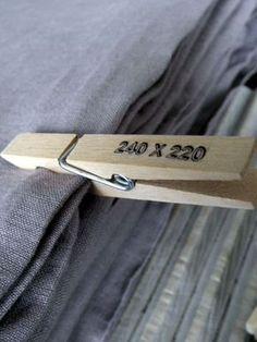 Super idée pour trier nappes, draps... Testé et adopté ! Grâce à ce rangement MP4 de ma grande chérie retrouvé !