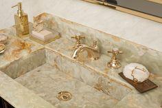 Walton Bathroom, Ypsilon collection. Green Onyx