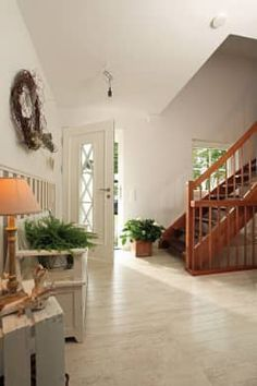 country Corridor, hallway & stairs by FingerHaus GmbH Style Rustique, Decoration, Feng Shui, Foyer, Beautiful Homes, Sweet Home, Shabby Chic, Stairs, Home Decor